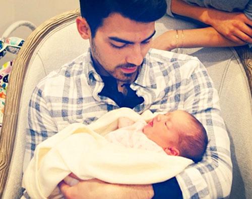 joe jonas Joe Jonas è uno zio emozionato