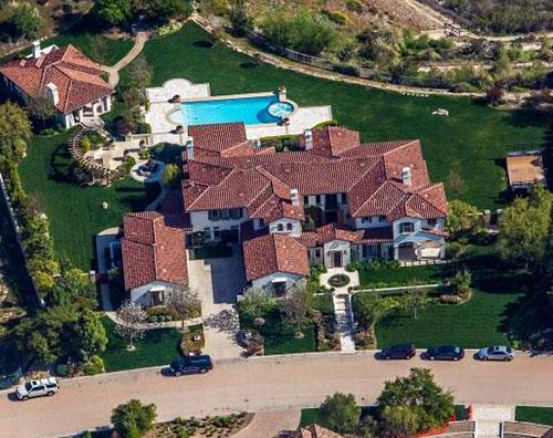 kardashian1 Khloe Kardashian compra la villa di Justin Bieber