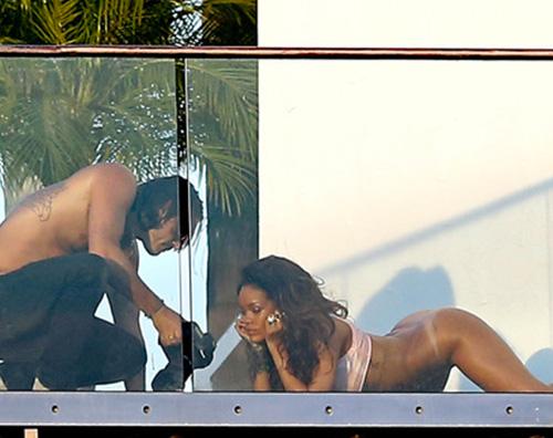 Rihanna1 Rihanna hot per una rivista francese