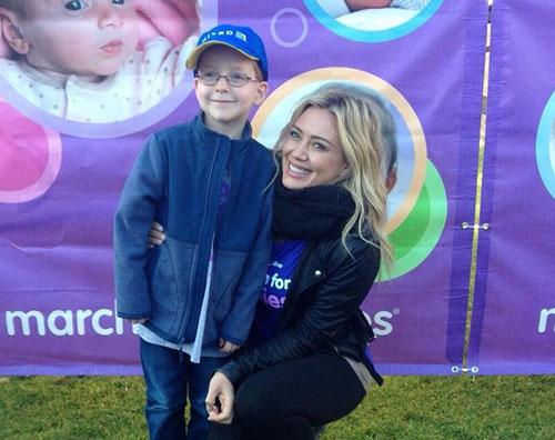 duff1 Hilary Duff, camminata per i bimbi meno fortunati