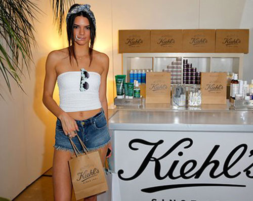 jenner1 Anellone al naso per Kendall Jenner