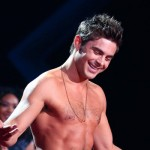 zac efron torsonudo1 150x150 Zac Efron mostra i muscoli sul palco degli Mtv Movie Awards