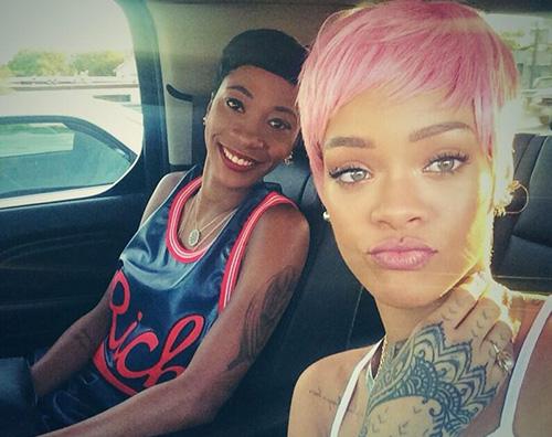 rihanna2 Capelli rosa per Rihanna