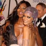 Rihanna e Naomi 150x150 Le trasparenze di Rihanna protagoniste dei CFDA 2014