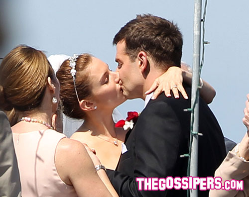bradley sienna Bradley Cooper e Sienna Miller sposi sul set