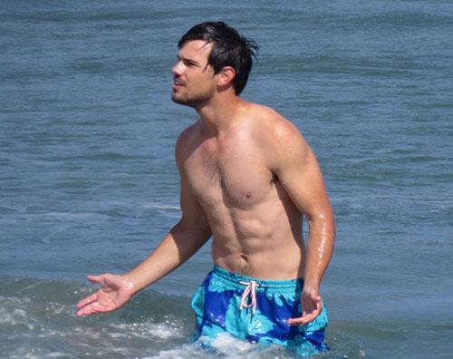 lautner set 1 Taylor Lautner, fisico definito anche dopo Twilight