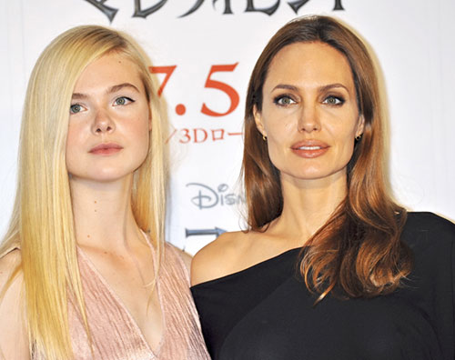 maleficient1 Angeline Jolie ed Elle Fanning insieme a Tokyo