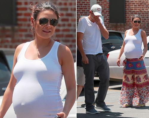 MilaKunis Mila Kunis casual in gravidanza