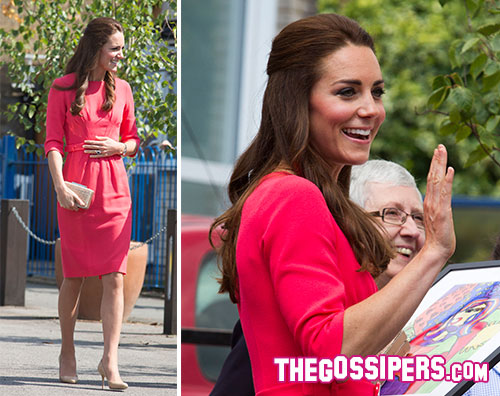 kate2 Kate Middleton in rosa per i bambini delle scuole