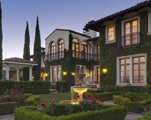 klumcasa1 Heidi Klum mette in vendita la sua villa a Brentwood