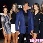 tg Jennifer Flavin Sylvester Stallone 150x150 Il cast de I Mercenari 3 a Parigi per la premiere