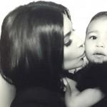 Kim5 150x150 Kim Kardashian: Ridere fa venire le rughe