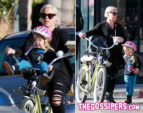 Pink Passeggiata in bici per Pink e Willow