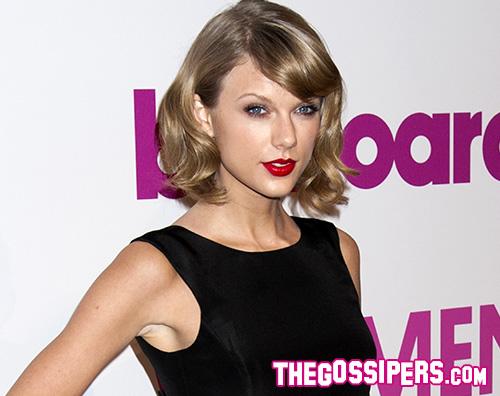 Taylor Swift Taylor Swift festeggia i 10 anni del suo primo album