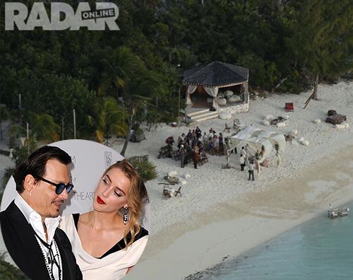Cover2 Le foto del matrimonio di Johnny Depp e Amber Heard