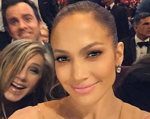 Jennifer Lopez Due Jennifer per un solo selfie