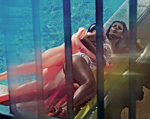 Kim1 Kim Kardashian nuda (completamente!) su Love Magazine