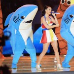 aty3 150x150 Katy Parry diverte il pubblico del Super Bowl 2015