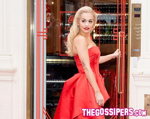 Rita Ora abito rosso Cocacola Rita Ora in biancheria intima su Instagram