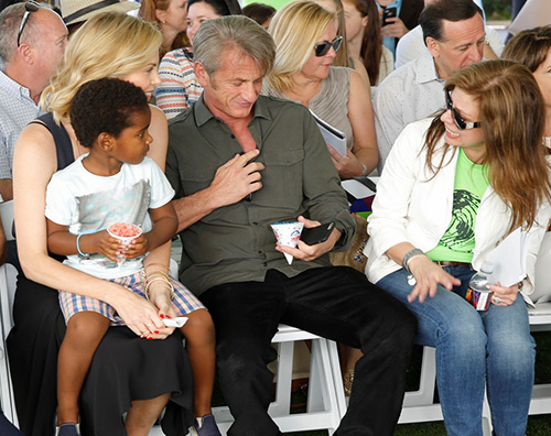 Charlize Jackson e Sean Domenica con Jackson per Charlize Theron e Sean Penn
