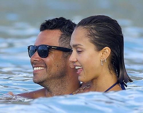 Jessica Alba Jessica Alba e Cash Warren vacanza ai Caraibi