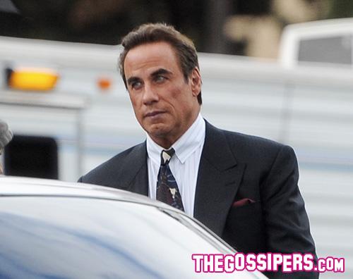 John Travolta 2 John Travolta ringiovanito sul set di American Crime Story