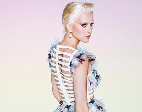 Katy Perry Cover Katy Perry bionda su Wonderland Magazine