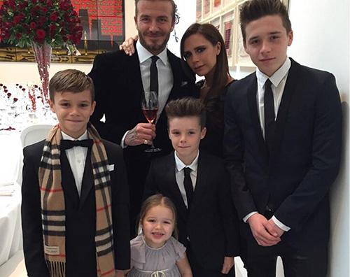 """Famiglia Beckham Victoria Beckham """"Nella mia famiglia celebriamo il femminismo"""""""