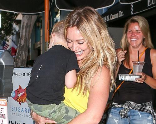 Hilary Duff2 Hilary Duff mamma a tempo pieno