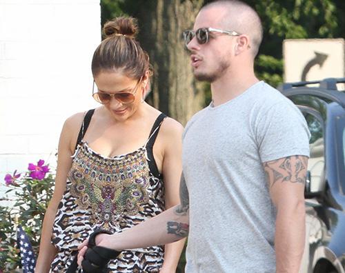 JLO Casper Jennifer Lopez negli Hamptons con Casper