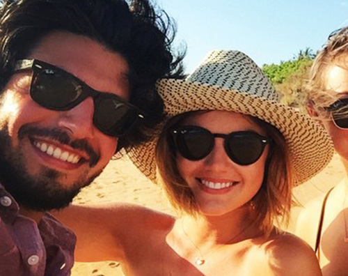 Lucy Hale Anthony Lucy Hale finalmente in vacanza