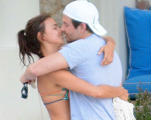 Bradley Irina Irina Shayk e Bradley Cooper arrivano a Capri