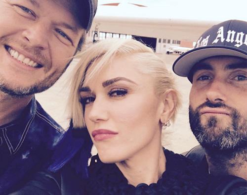 GwenStefani Gwen Stefani, selfie di coppia con Blake Shelton