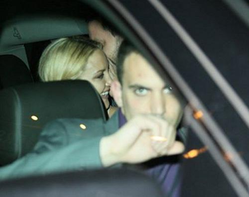 Kate2 Kate Hudson mano nella mano col suo agente