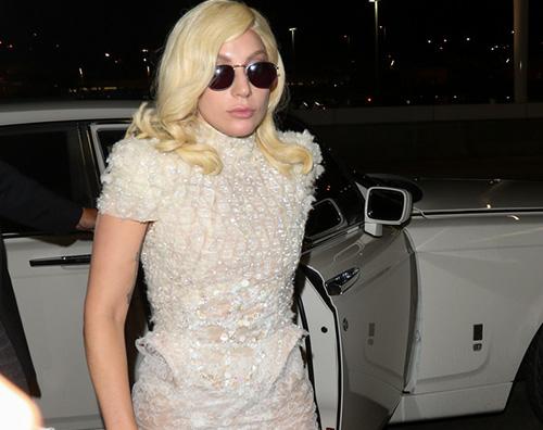 Lady Lady Gaga in abito da sera al LAX