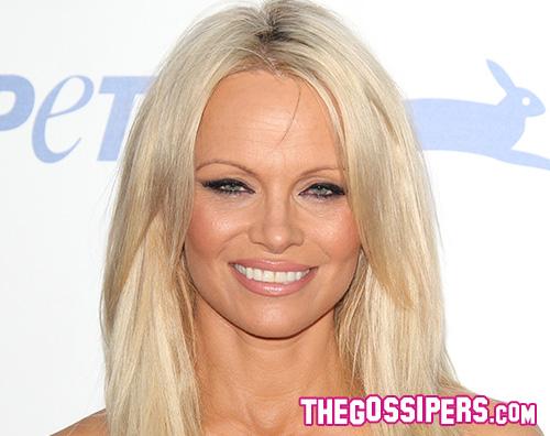 Pamela Anderson 2 Pamela Anderson splende per l anniversario PETA