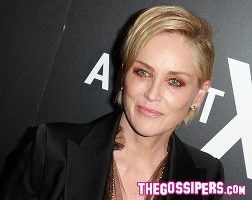 SharonStone Sharon Stone, la domenica è fatta per cambiare look