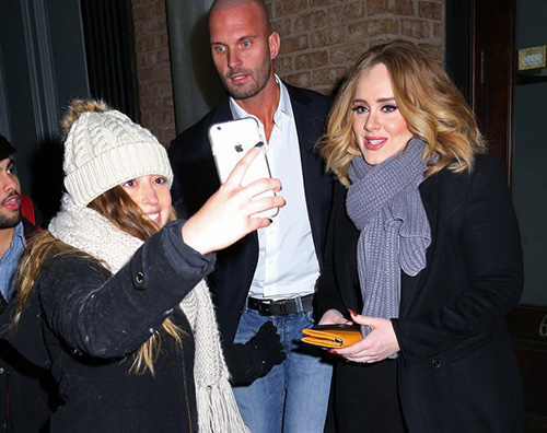Adele1 Jennifer Lawrence, Adele ed Emma Stone, cena tra amiche a NY