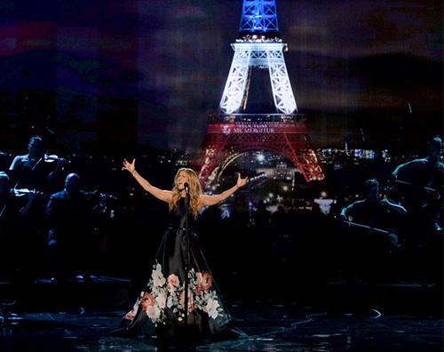 CelineDion AMAs 2015: Jared Leto e Celine Dion ricordano le vittime degli attentati di Parigi