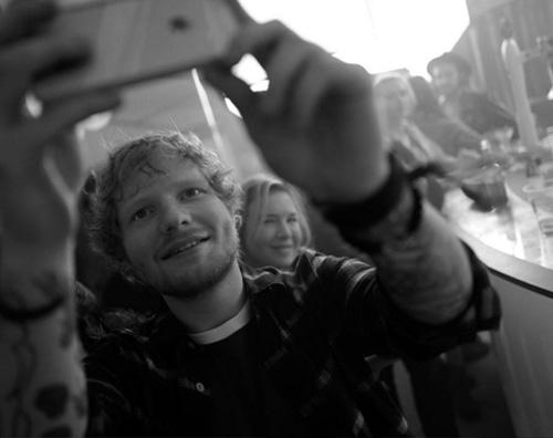 Ed Sheeran Renee Ed Sheeran sul set di Bridget Jones