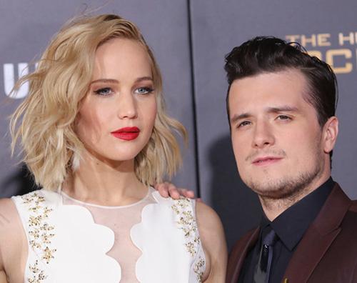 Jennifer Josh Jennifer, Liam e Josh presentano Hunger Games a Los Angeles ricordando Parigi