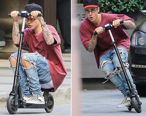 Justin Bieber2 Justin Bieber in monopattino a NY