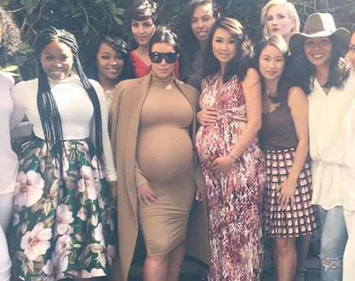 Kim Kardashian1 Kim Kardashian Ho preso 23 Kg durante questa gravidanza