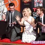 Liam Hemsworth Jennifer Lawrence Josh Hutcherson 1 150x150 Le star di Hunger Games lasciano le loro impronte sul cemento