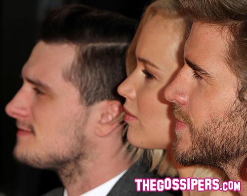 Liam Hemsworth Jennifer Lawrence Josh Hutcherson Le star di Hunger Games lasciano le loro impronte sul cemento
