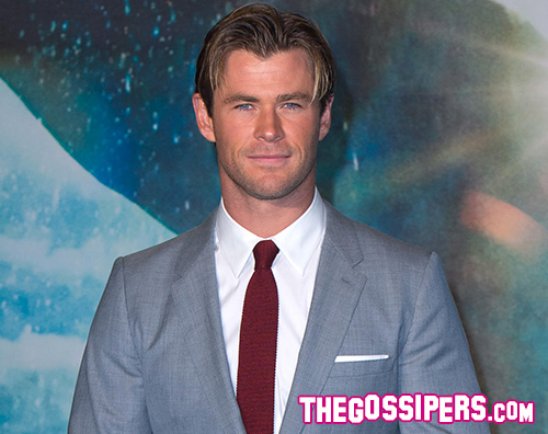 Chris Hemsworth 2 Chris Hemsworth si allena senza maglietta su Instagram