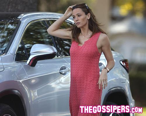 Jennifer Garner 2 Jennifer Garner passeggia con la ex suocera