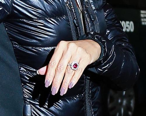 eva longoria anello fidanzamento Eva Longoria e Jose Antonio Baston arrivano a Los Angeles