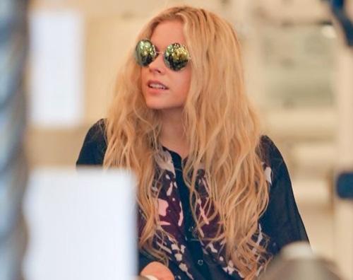 avril Lavigne Avril Lavigne fa shopping a Beverly Hills