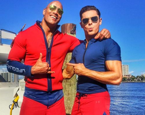 Baywatch 2 1 Dwayne Johnson su Instagram I Primi Look sul set di Baywatch